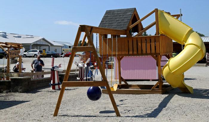 amish-made-play-set