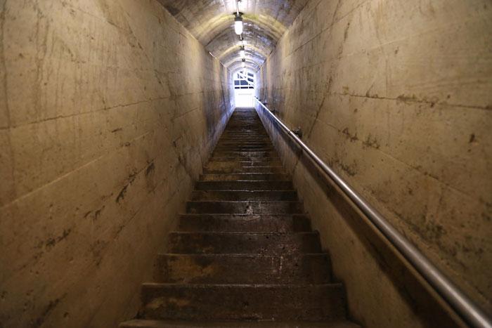 exit stairs up ohio caverns