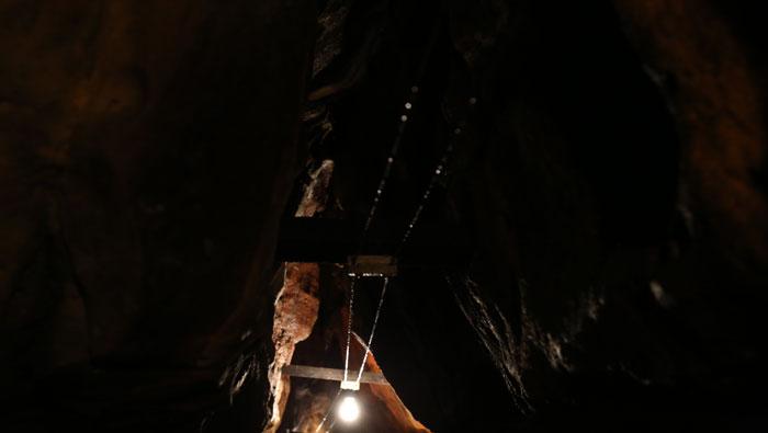 lighting caverns