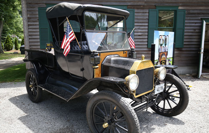 Model T at Mishler Mill in Smithville
